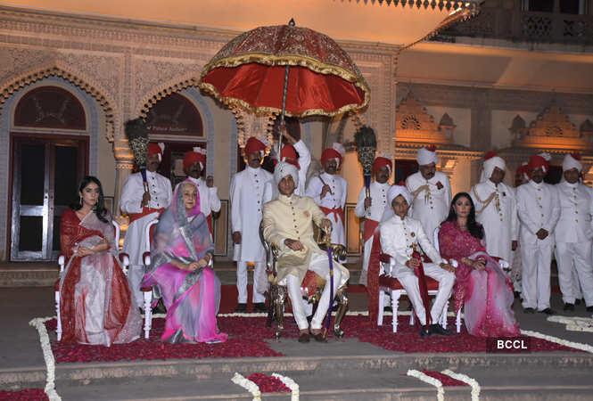Gauravi Kumari, Padmini devi, Padmanabh Singh, Lakshayraj Singh and Diya Kumari