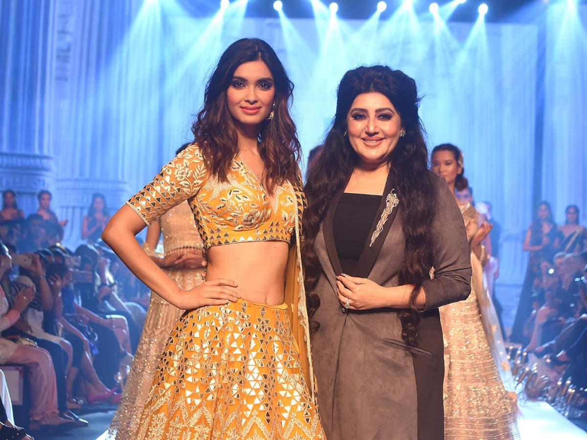 Diana Penty with designer Archana Kochhar