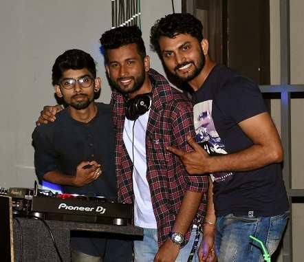 Dj,s Trivikrama,Anil,Vijay (10)