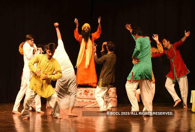 ajab chor ki ghazab kahani_director by ashok rahi (14)