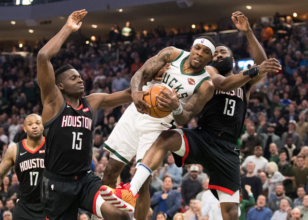Bledsoe's points lead Bucks to win against Rockets