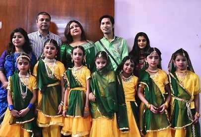 GK- Vikash Kumar Singh, Riddhi Bandyopadhyay, Avirup Sengupta along with Genius Kids