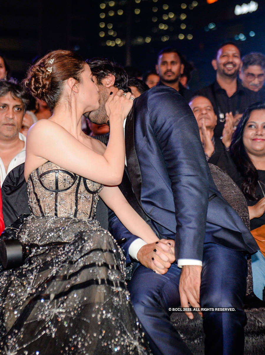 Pictures of Alia Bhatt and Ranbir Kapoor enjoying football match in Goa go viral