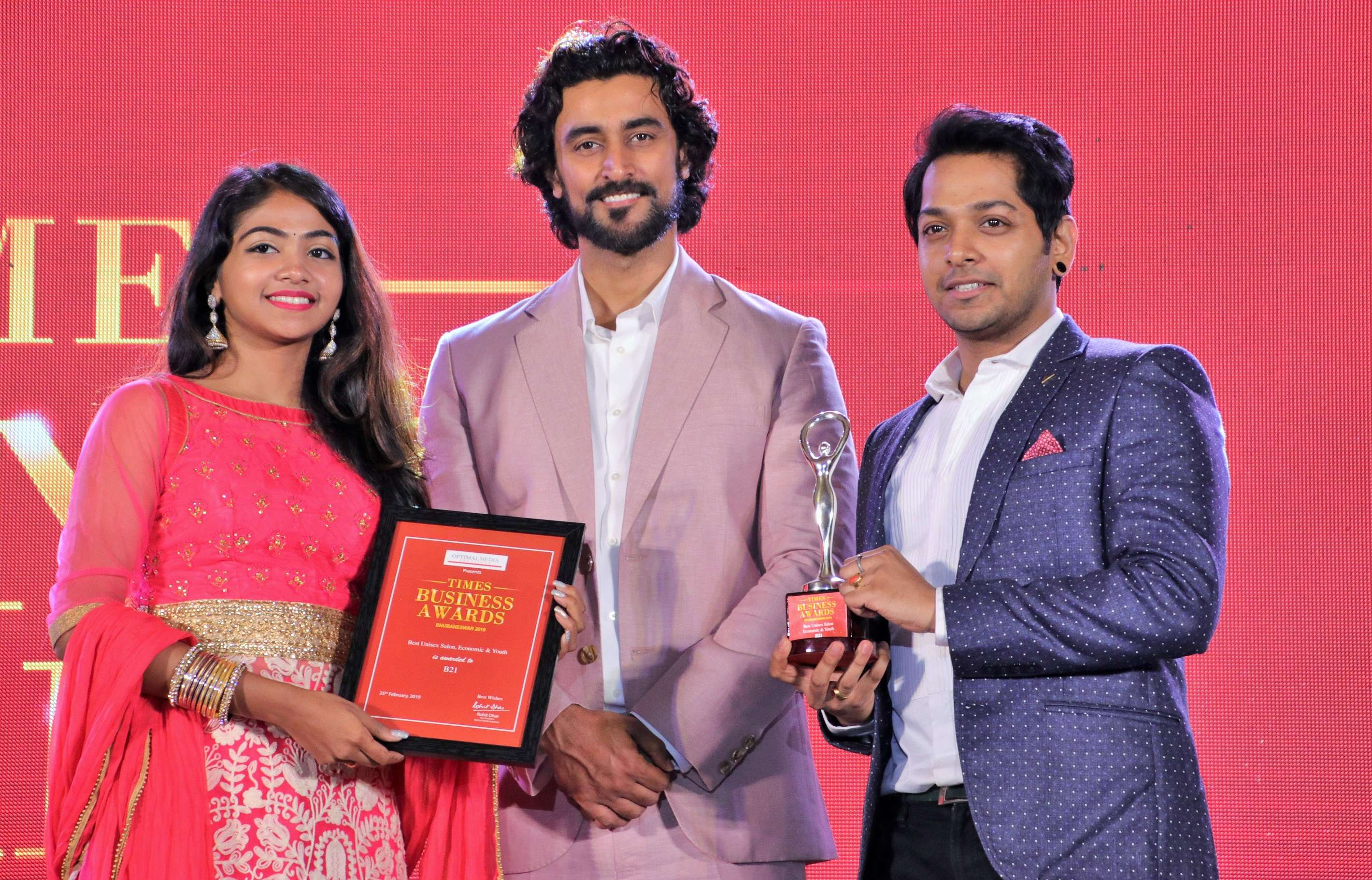 Kajol Patra and Satish Patra of B21 with Kunal Kapoor
