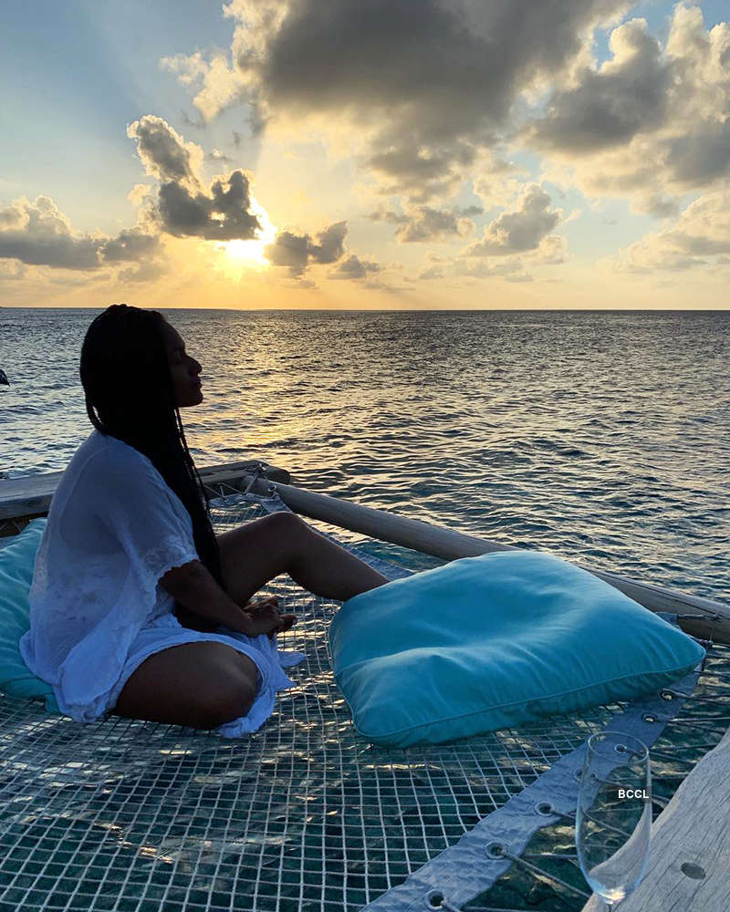 Beach vacation pictures of Masaba Gupta will blow away your mind...