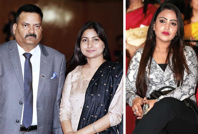 (L) Mukesh Bahadur and Reena Singh (R) Pooja Tandon (BCCL/ Aditya Yadav)