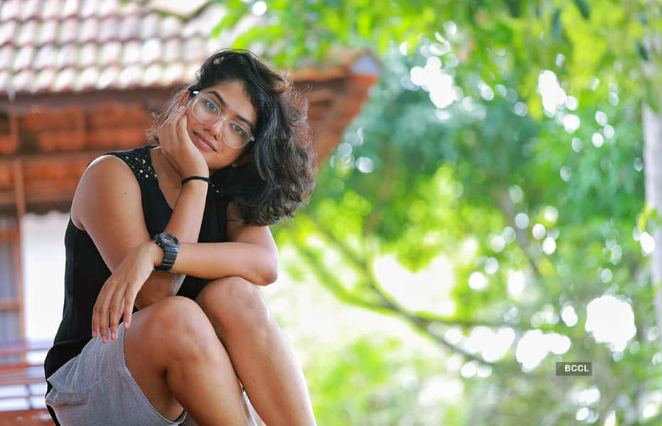 Anarkali Marikar gets trolled for her swimsuit photo