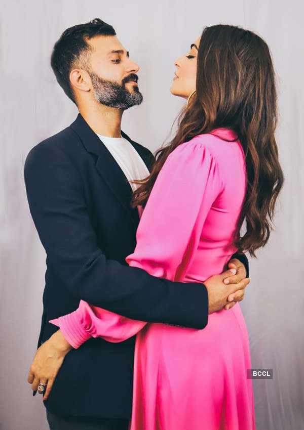 Sonam Kapoor showers love on hubby Anand Ahuja, says 'Nothing compares to you'