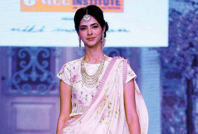 Niki-Mahajan-RAN_8031-Pankhuri-Gidwani,-fbb-Femina-Miss-Grand-India-2016