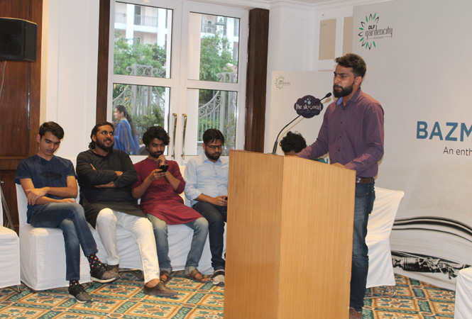 An-evening-of-soulful-urdu-poetry-at-The-Skycourt,-DLF-Gardencity-(1)