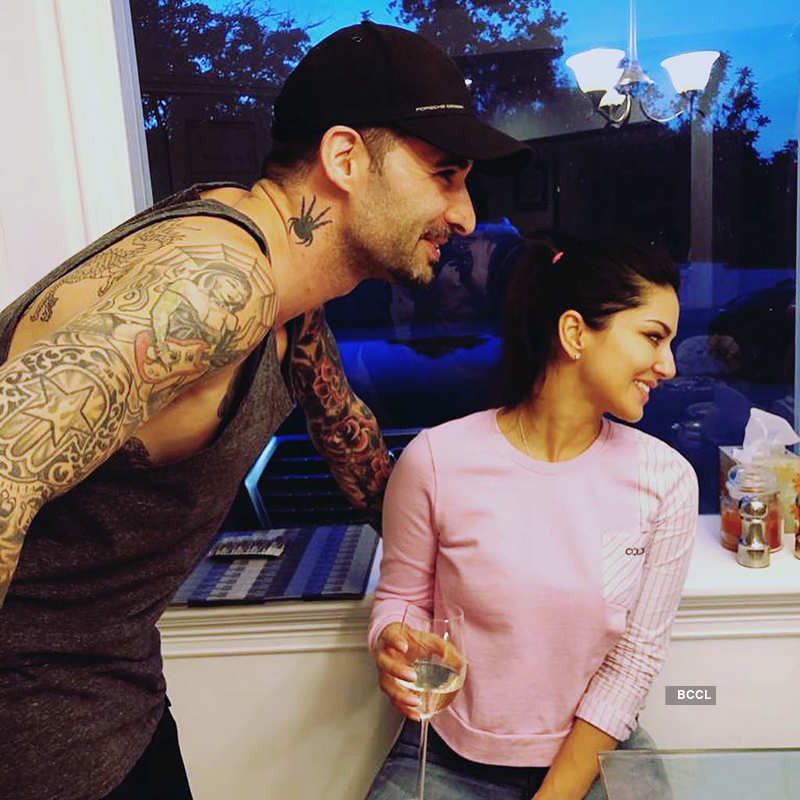 New beach vacation pictures of Sunny Leone & hubby Daniel Weber go viral...
