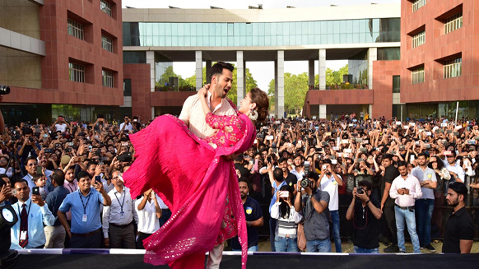 Alia Bhatt and Varun Dhawan enthrall students of Amity University in Jaipur