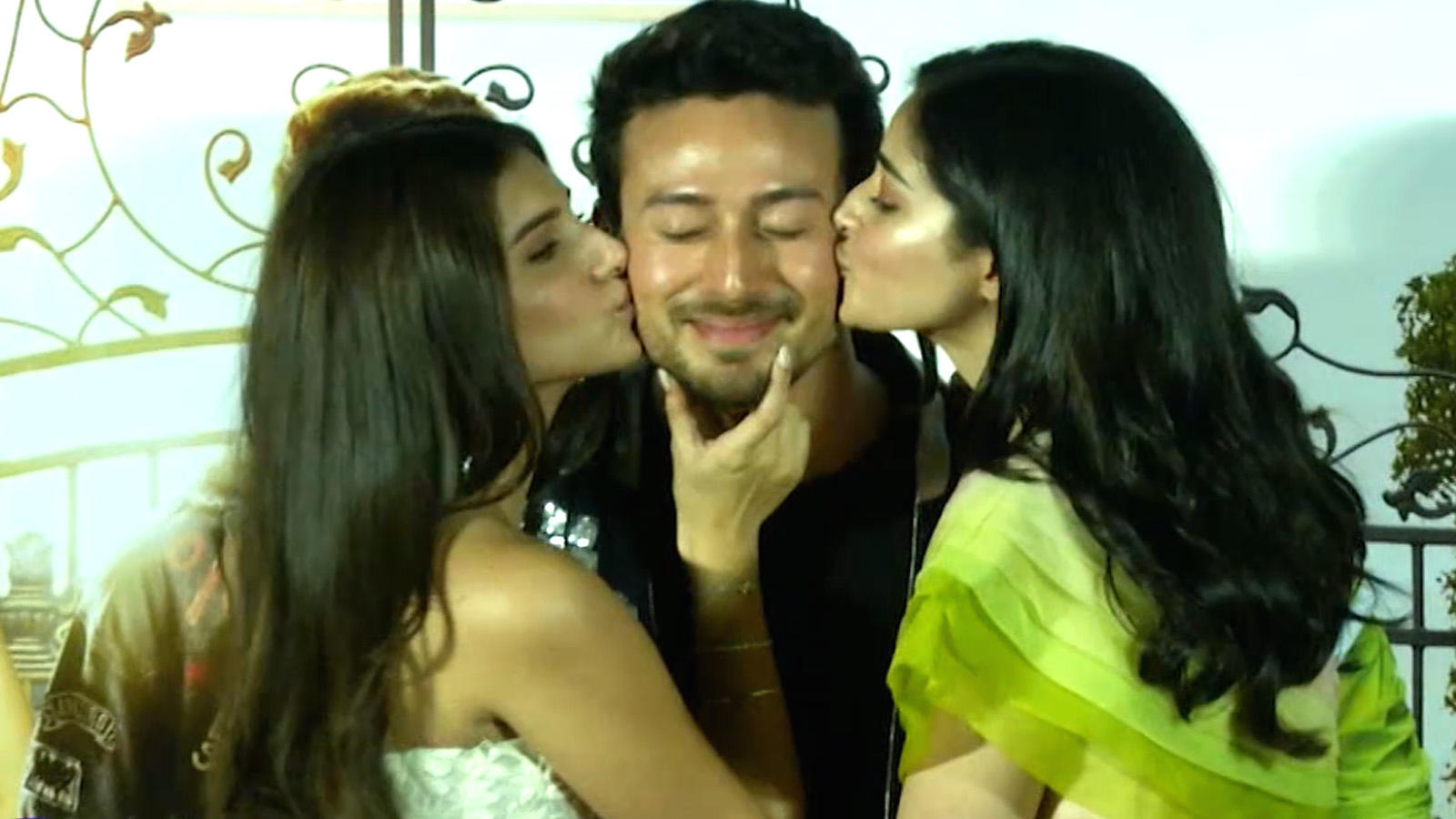 Watch: How Ananya Panday and Tara Sutaria embarrassed Tiger Shroff at the trailer launch of 'Student of the Year 2'