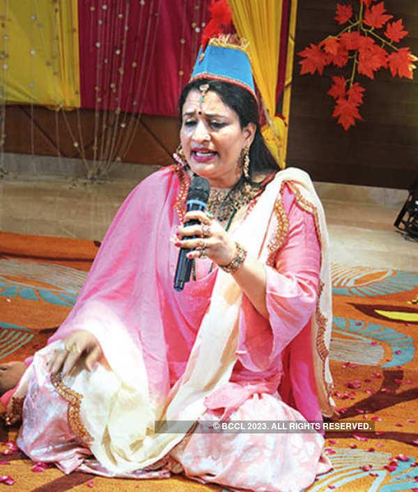 Banaras ladies have a gala time at Shaam-e-Awadh