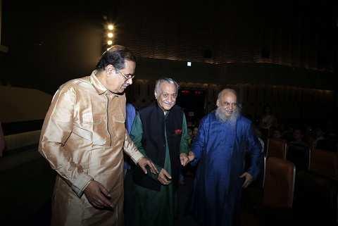 Pt Vijay Kichlu and Shuvaprasanna