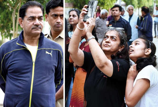 (L) SP Singh (R) Anuja Sharma and Samaira Kidwai (BCCL/ Farhan Ahmad Siddiqui)