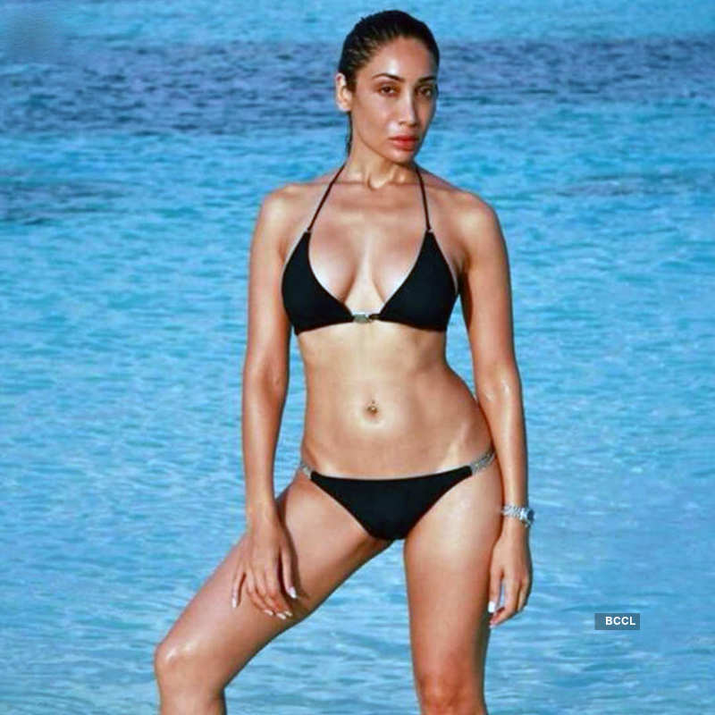 Controversial star Sofia Hayat teases fans with bold pictures