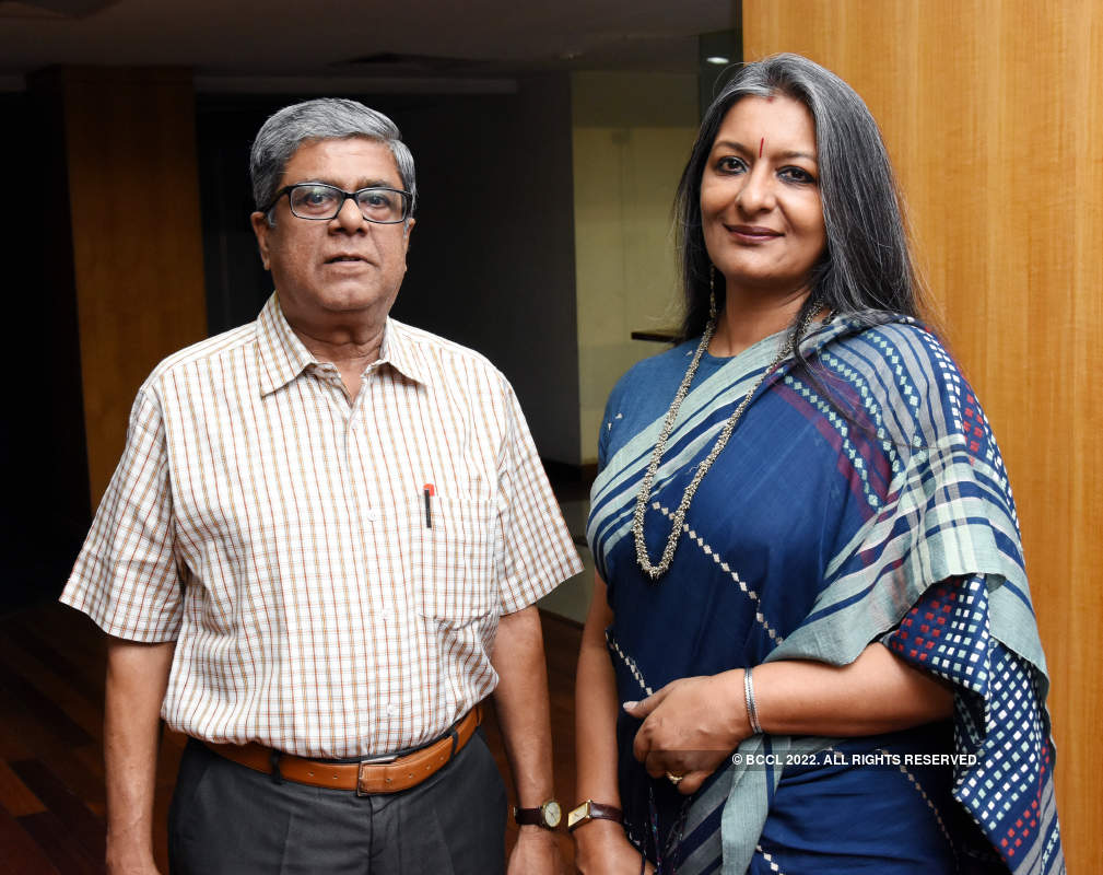 Sohag Sen launches her play 'Chhoto Chobi' with much fanfare