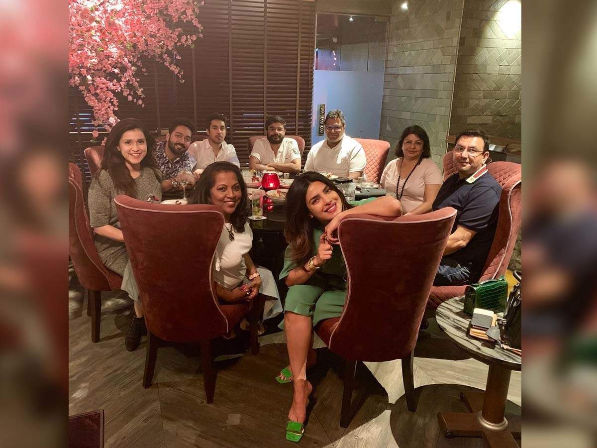 Priyanka Chopra is having a good time with her family; shares a sweet picture on her Instagram
