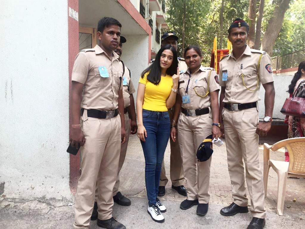 amrita poses with police