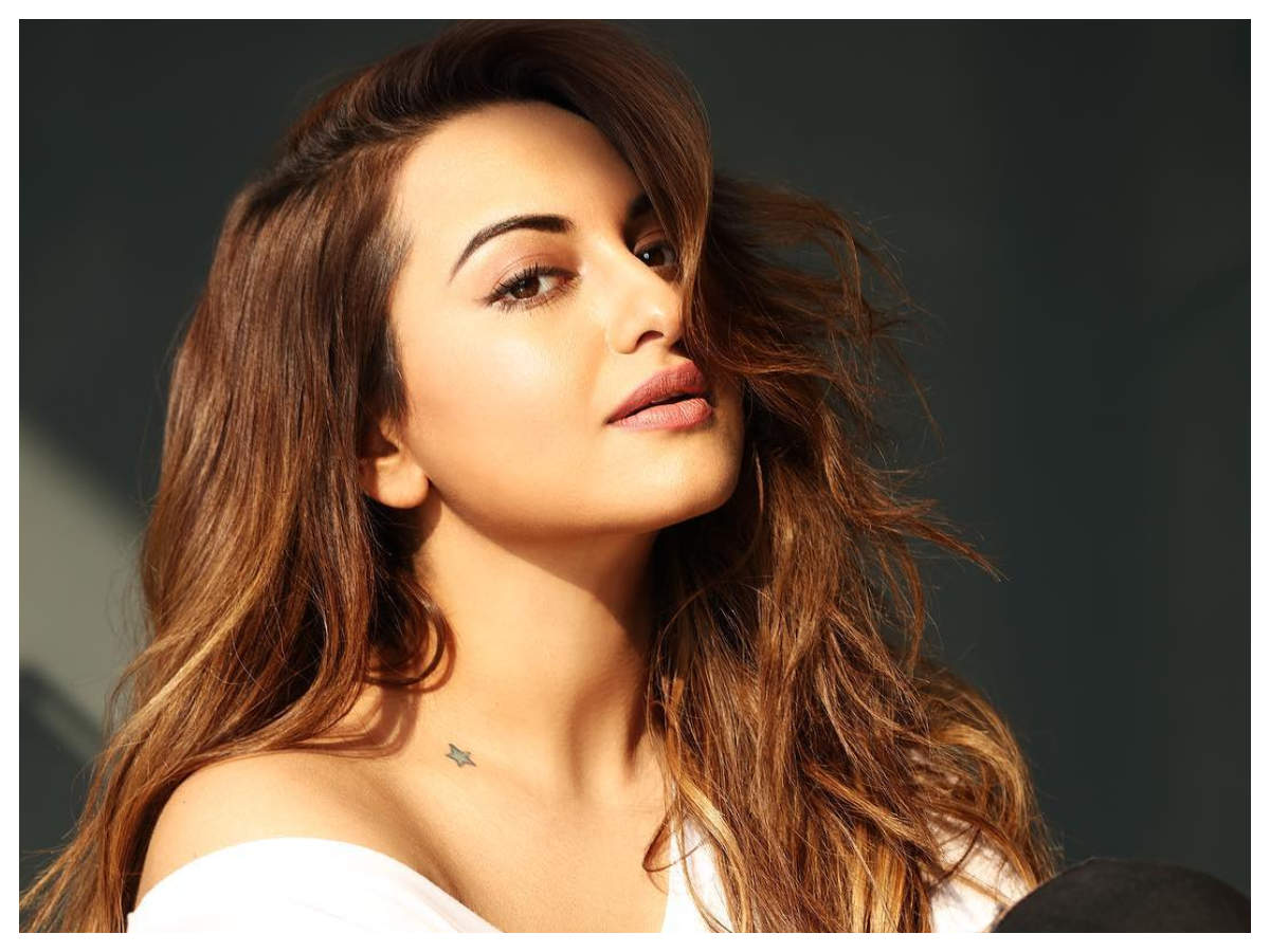 5774d522f7a4 Sonakshi Sinha lost weight sticking to this diet
