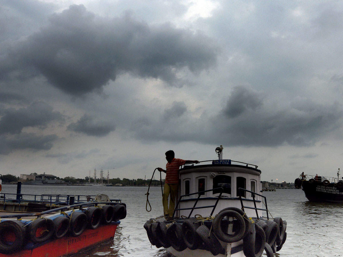 Cyclone 'Fani' may cross Odisha on Friday, coastal districts