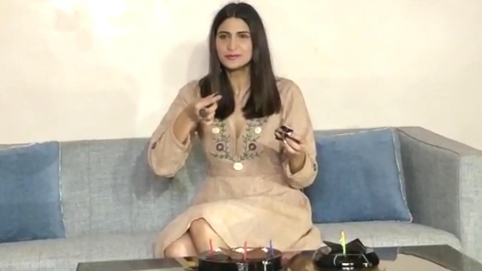 Actress Aahana Kumra turns a year wiser!