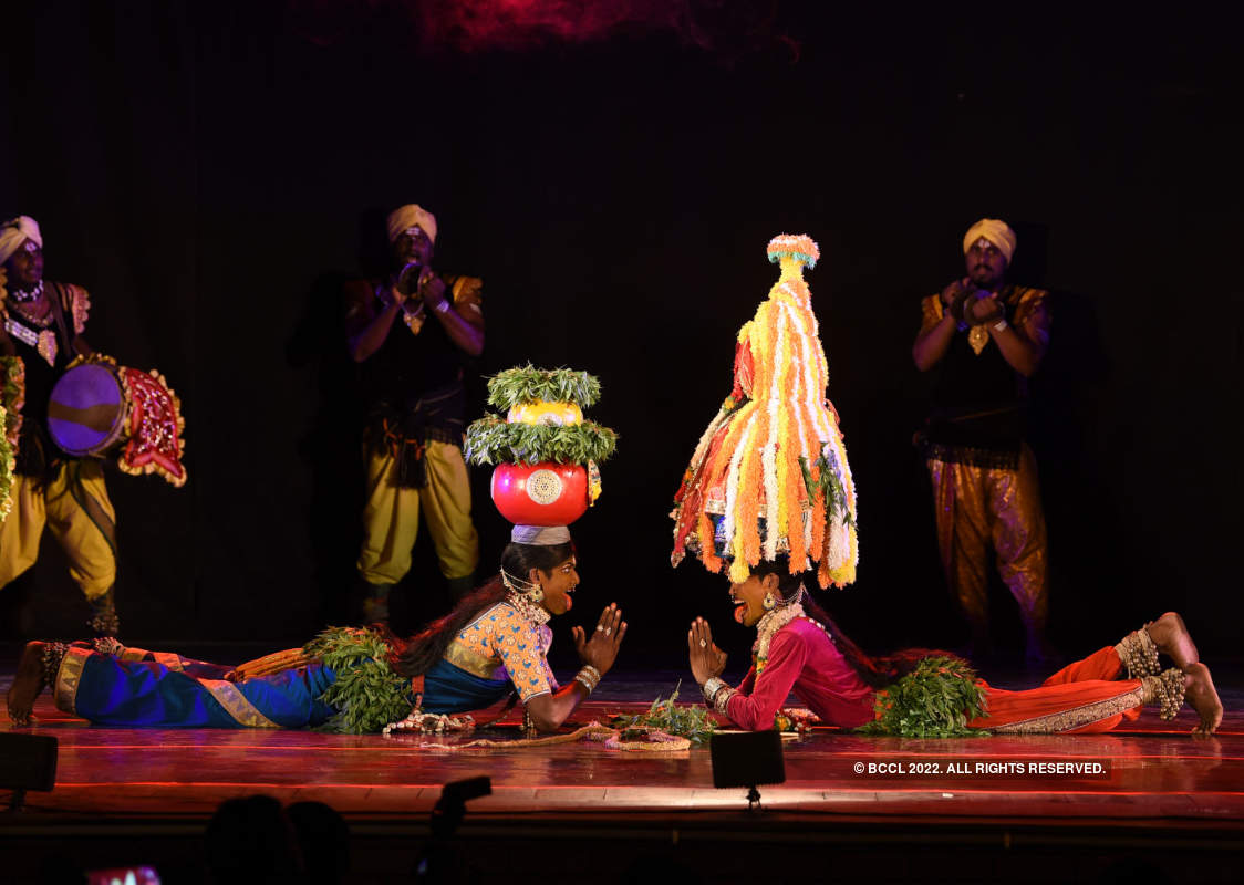 Artistes celebrate International Dance Day