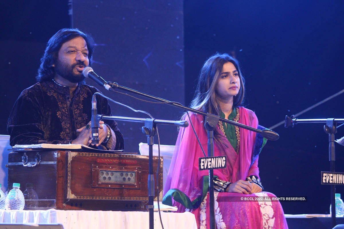 Malini Awasthi and Roop Kumar Rathod's tribute to Girija Devi