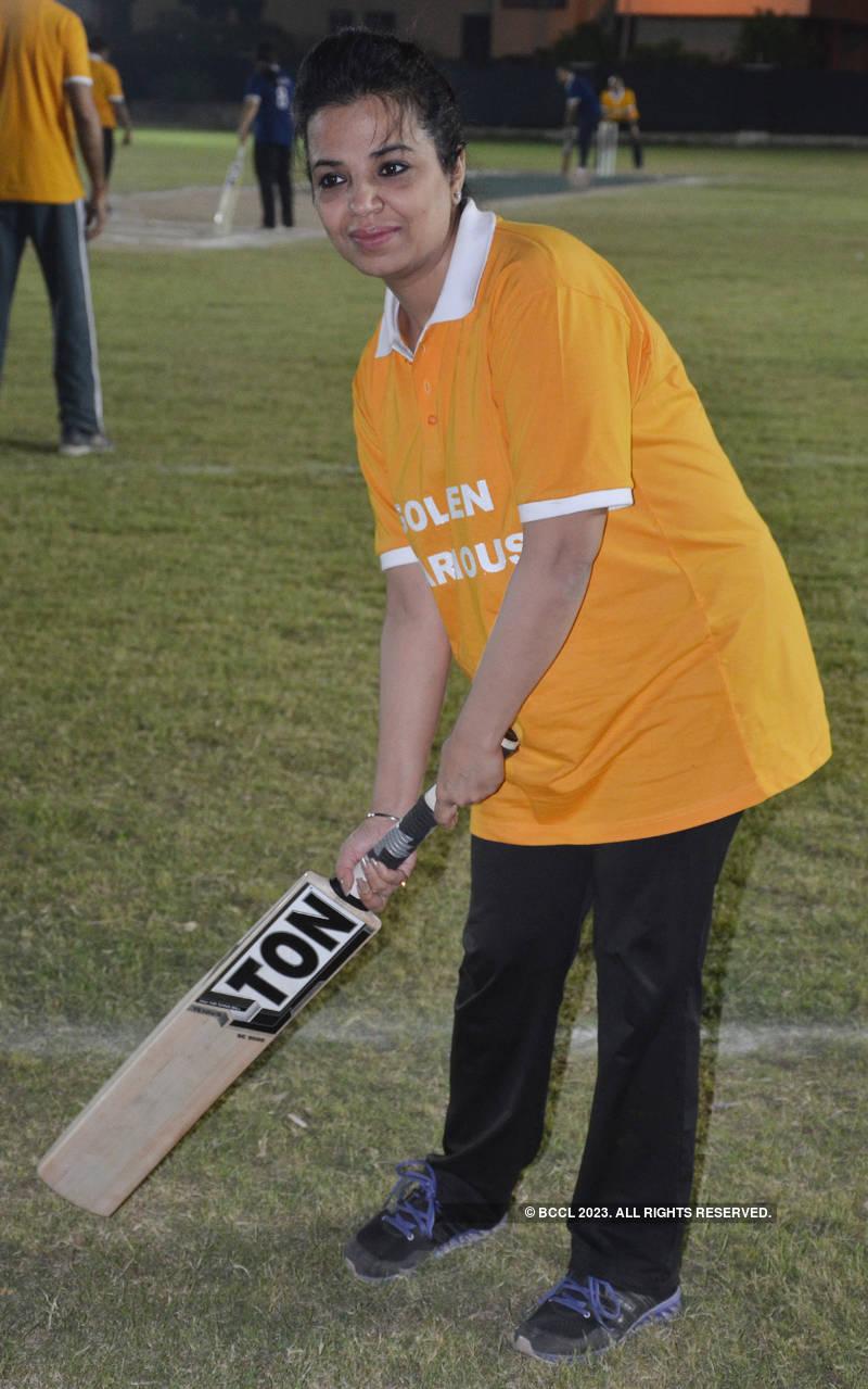Kanpurites enjoy a cricket match