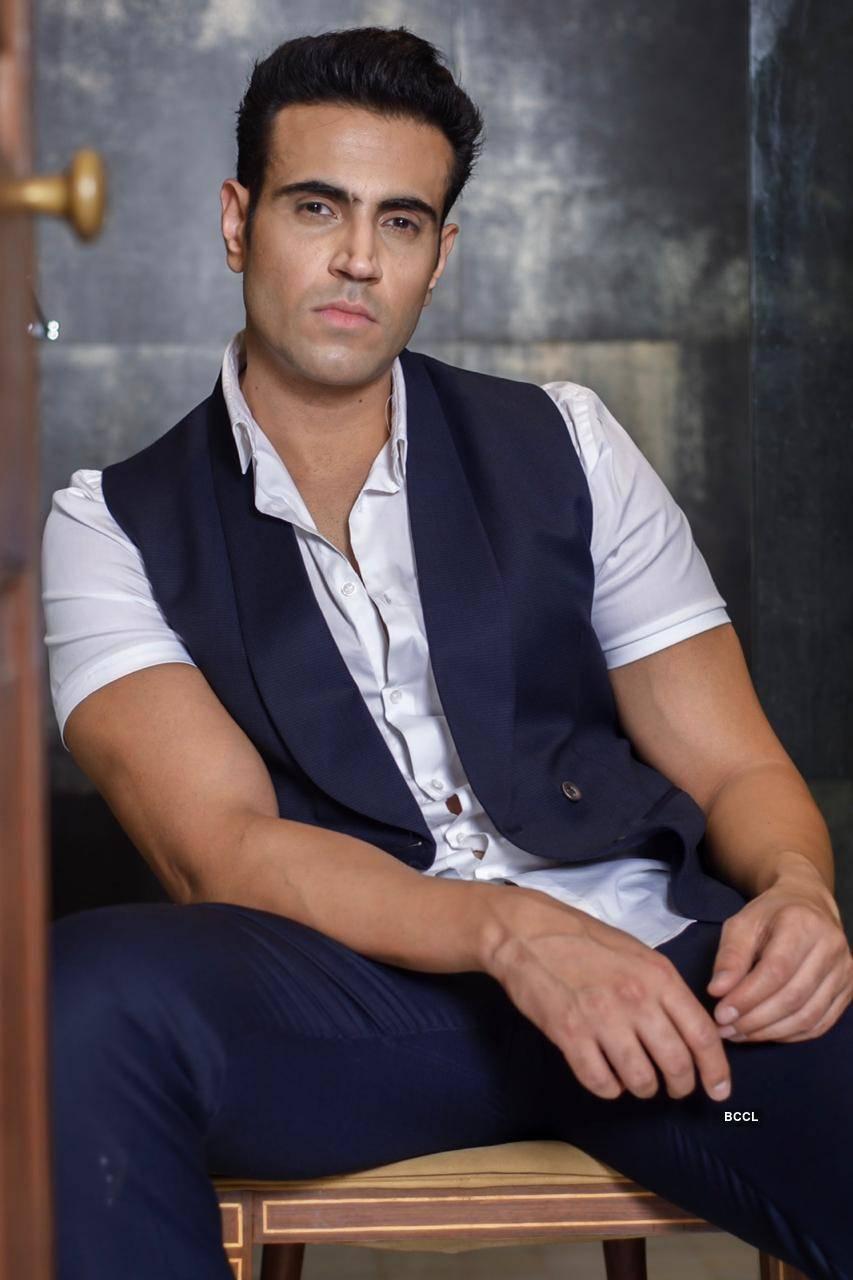 Meet Navdeep Chhabra, the handsome hunk from the movie 'Kuch Kuch Locha Hai'
