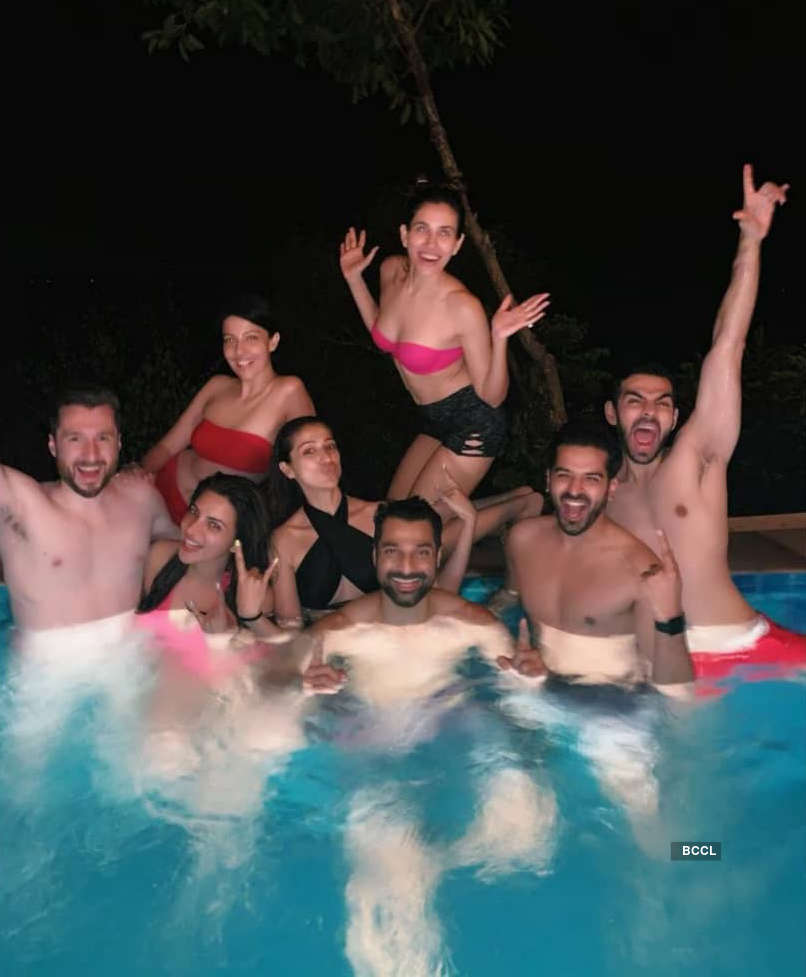 These beautiful holiday pictures of diva Shama Sikander are going viral…
