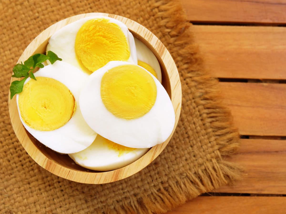 What S Better Egg White Or Egg Yolk Times Of India