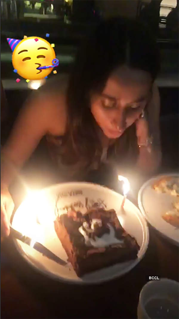 Varun Dhawan kisses ladylove Natasha Dalal on her midnight birthday party