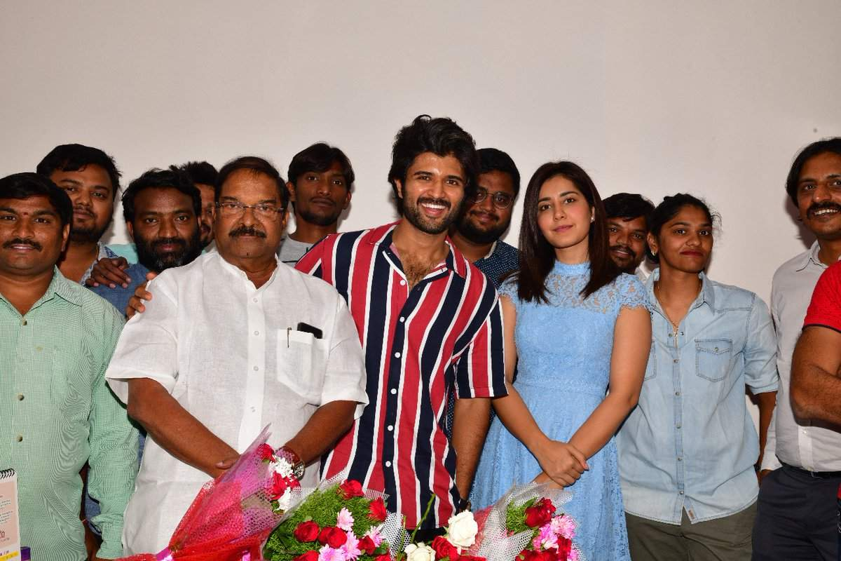 Vijay Deverakonda celebrates his 30th birthday alongside Raashi