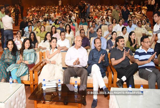 audience (13)_