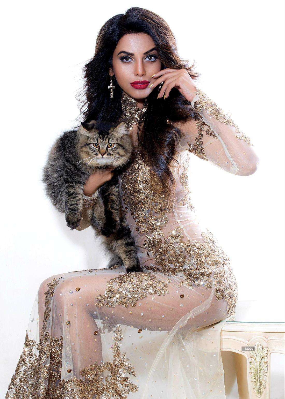 Latest photoshoots of former Femina Miss India World Natasha Suri will make you go 'Wow'