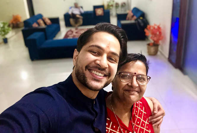 Pranav Misshra with his mom Manju Sharma