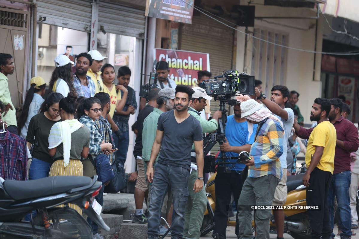 Aparshakti Khurana and Ankit Tiwari shoot for a music video in Lucknow
