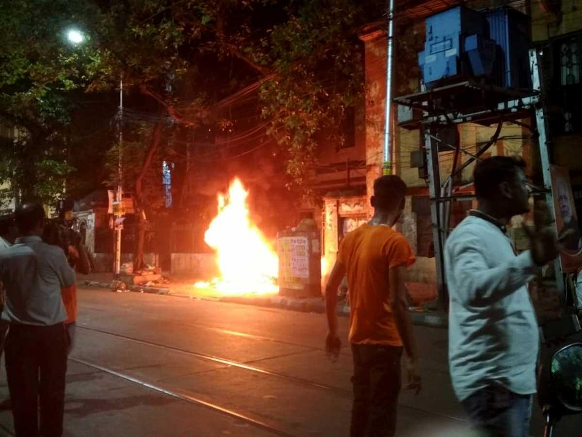 बंगाल में दिखाई दिया BJP का गुंडा राज , भगवा पहने तोड़फोड़ करते लोग, 58 BJP समर्थक गिरफ्तार...