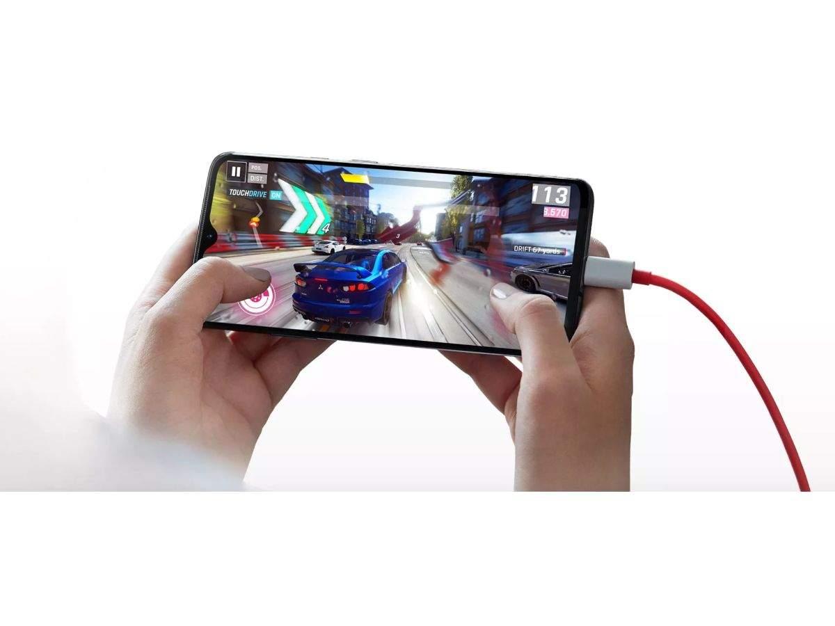 Battery: OnePlus 7 offers maximum battery capacity of 3,700mAh