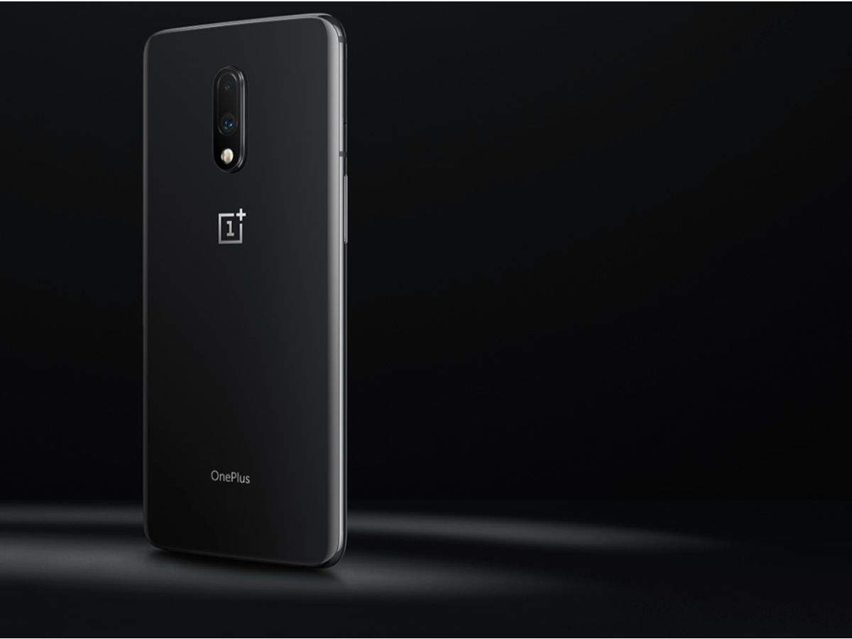 Storage: OnePlus 7 offers highest storage variant of 256GB, Google Pixel 3a comes only in 64GB option