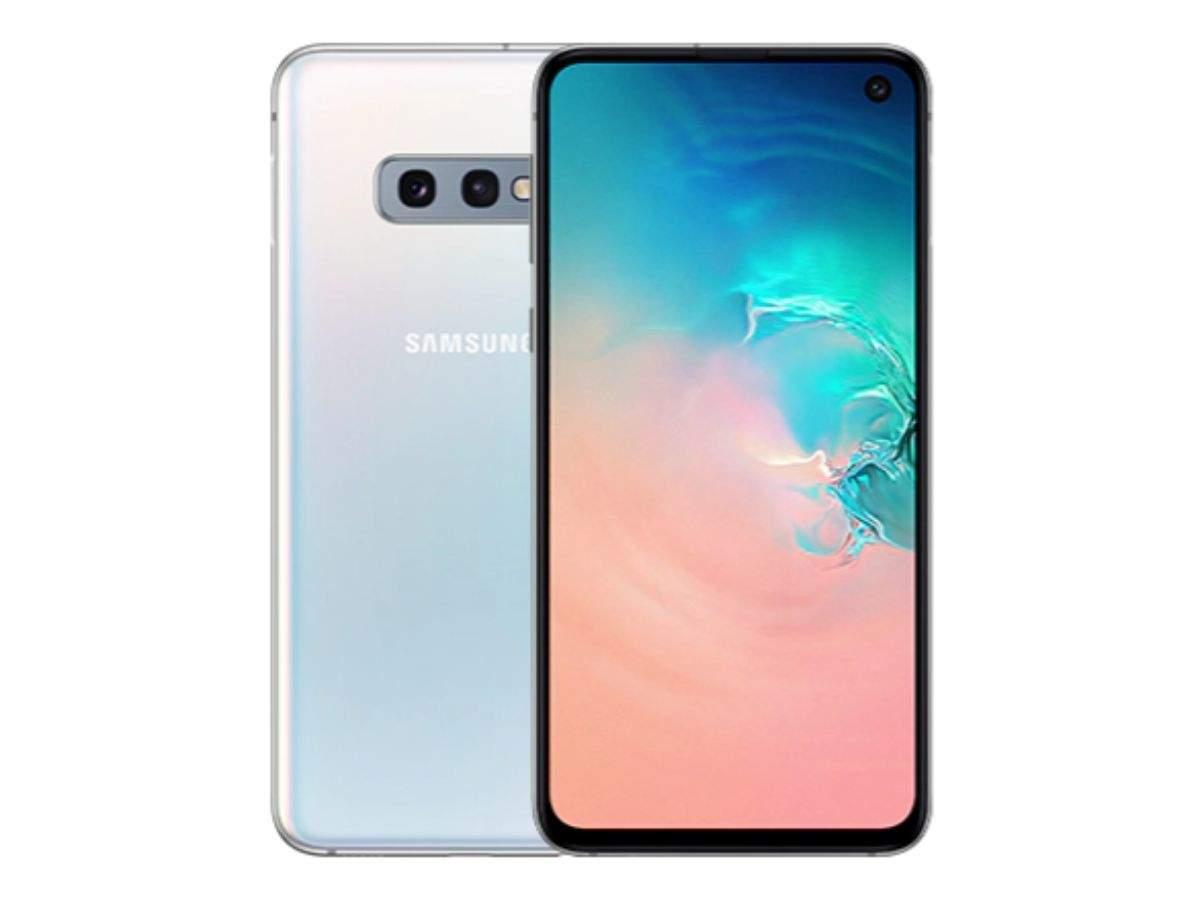 Processor: Both Samsung Galaxy S10e and OnePlus 7 run on top-end processor, Google Pixel 3a runs on mid-range processor