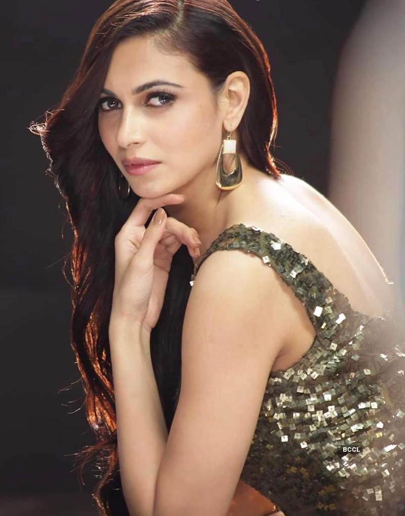 Simran Kaur Mundi is all set to make her comeback with 'Main Tenu Samjawan Ki'