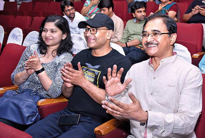 (L-R) Suchi Sahu, Pankaj and Col BK Prasad  (BCCL/ Vishnu Jaiswal)