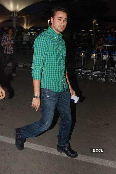 Imran spotted @ Mumbai Airport