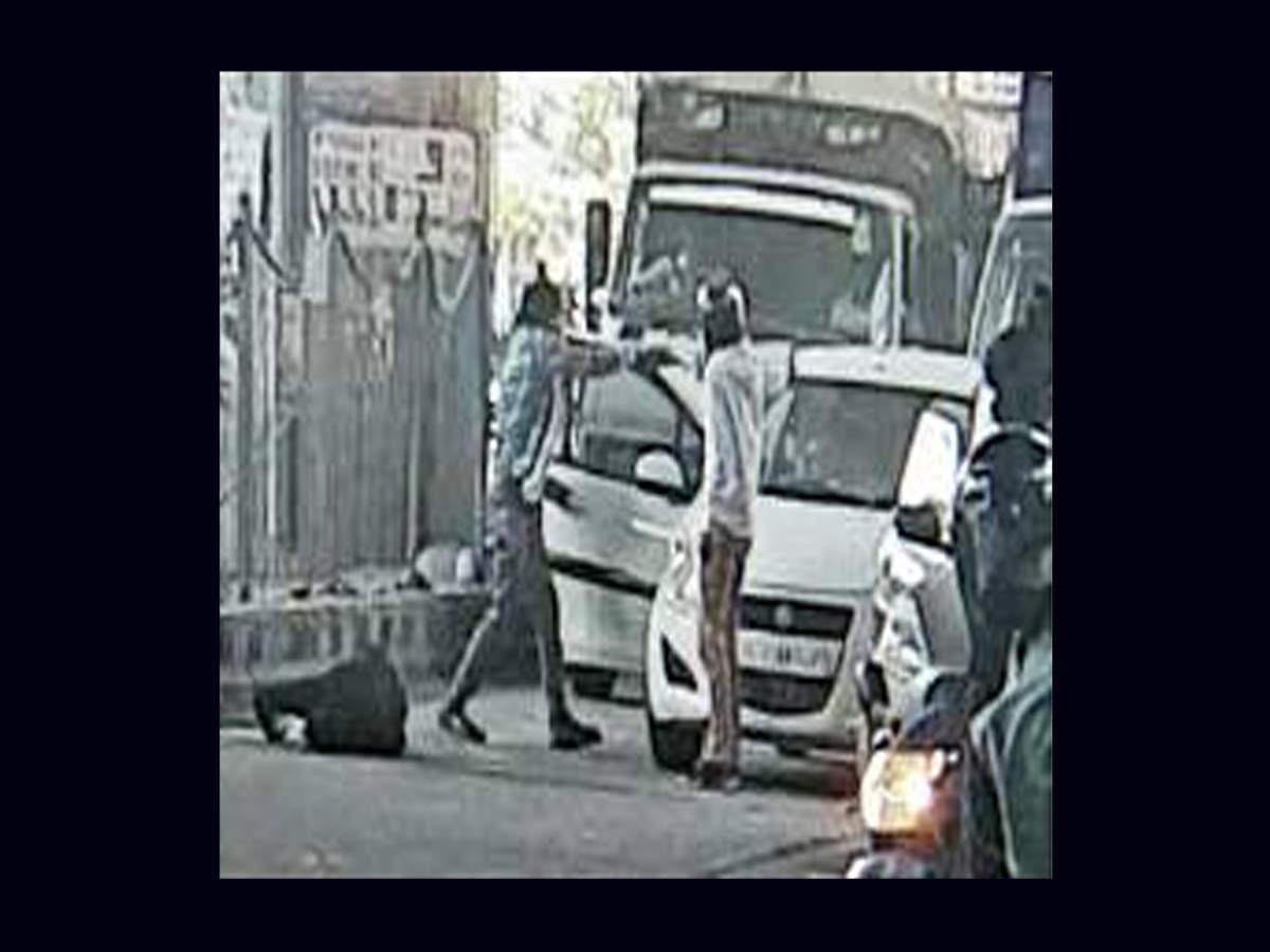Gang war in Dwaraka: Gang war erupts on Delhi road, fifth fight in a