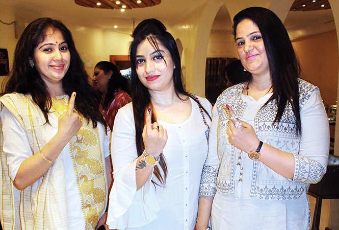 (L-R) Smita, Monalisa and Vanisha Khanna (BCCL/ Arvind Kumar)