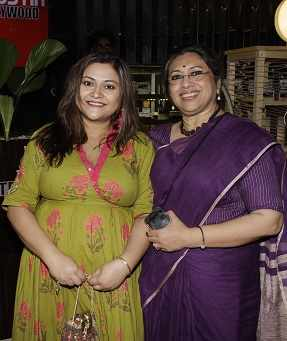 Koneenica Banerjee,Tanusree Shankar