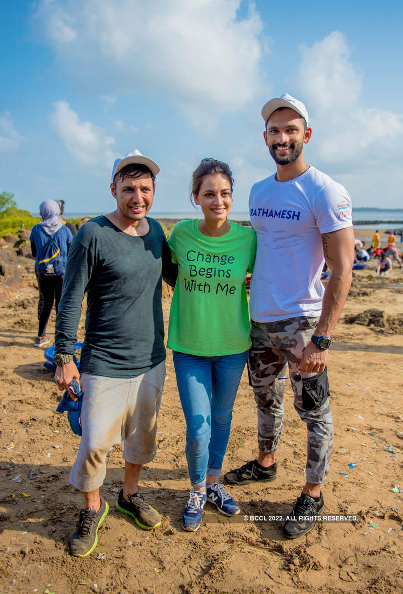 Beach Cleanup with fbb Colors Femina Miss India 2019 State Winners